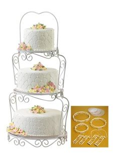 Graceful tiers cake display